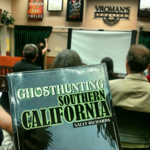 LEARNING HOW TO GHOST HUNT IN SOUTHERN CALIFORNIA: PERSONAL CHALLENGE, DAY 44 (10.30.12)