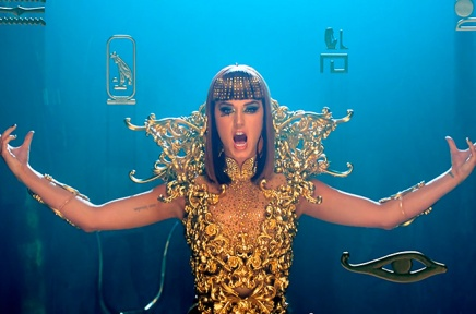 """DARK HORSE"" THE OFFICIAL VIDEO"
